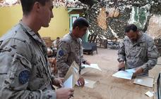 Los militares españoles destinados en Malí votan para las elecciones del 26M