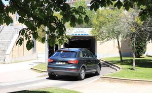 Los 'parkings' de la capital son los que mejor informan de sus precios de todo el país