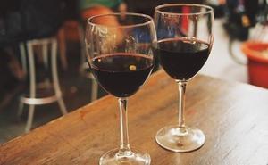 Desarticulan una organización dedicada a la venta fraudulenta de vino con etiquetas falsas de la DO Bierzo
