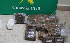 Dos detenidos en San Rafael que viajaban con 4,6 kilos de hachís y cocaína
