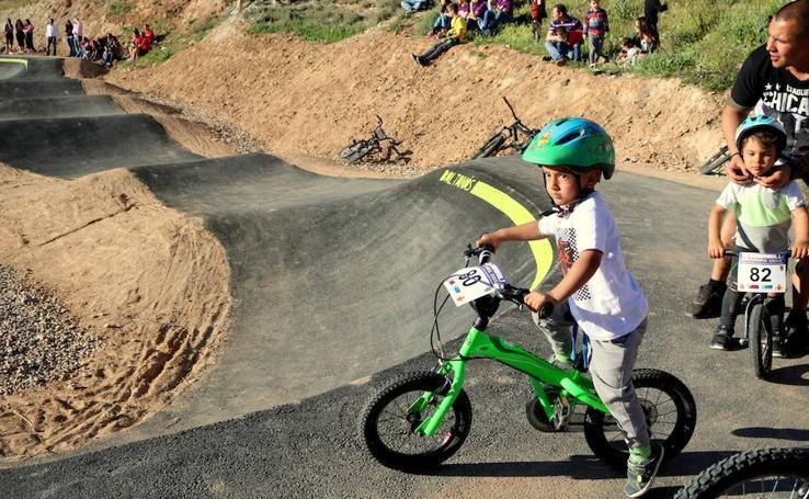 Nueva pista deportiva de «pump track» en Baltanás