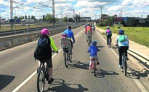 Santovenia pide el desdoblamiento de la VA-113 con una marcha ciclista