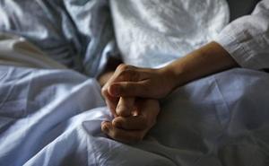 España cae al furgón de cola europeo de los cuidados paliativos