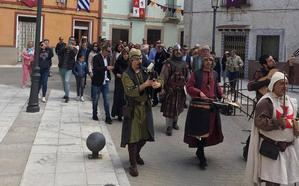 Portillo regresa al pasado con una multitudinaria feria medieval