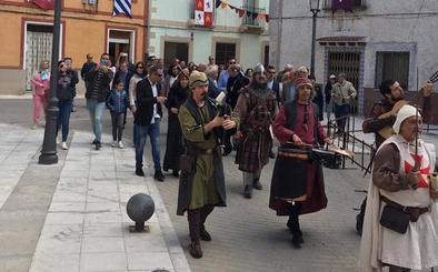Portillo regresa al pasado con una multitudinaria feria medieval