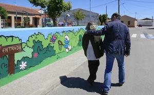 Recogen firmas en favor de la mujer con discapacidad a la que un error privó de la pensión de orfandad en Valladolid
