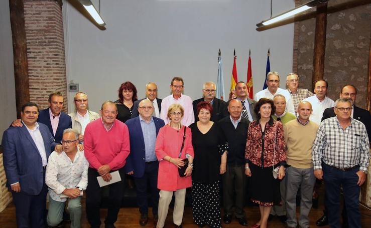 Entrega de distinciones a funcionarios y jubilados del Ayuntamiento de Segovia