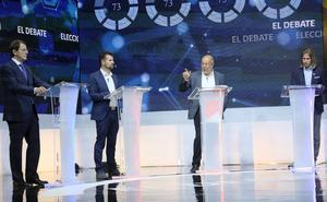 Debate: Igea pasa al ataque a izquierda y derecha mientras Mañueco se enfoca en Tudanca