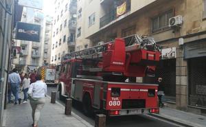 Un pequeño fuego en una vivienda de la calle Bermejeros moviliza a los bomberos de Salamanca