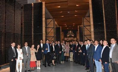 Vega Sicilia, Pingus y Portia se alían para impulsar la venta de vino español de calidad en China