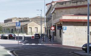 Arrestan a un hombre de 60 años por masturbarse en la ventana de su domicilio frente a un colegio de Salamanca