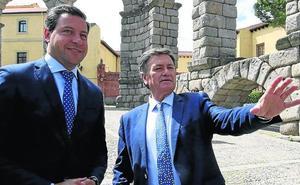 Vázquez replica a Aceves: «Si se aburre, que se compre un mono»
