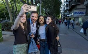 Óscar Puente, de paseo por su territorio comanche en Valladolid