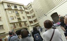 Las saetas del TAC frente al Museo Nacional de Escultura emocionan a los transeúntes