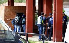 Los registros policiales se suceden tras la detención de siete miembros de una misma familia, vecinos del mirandés asesinado en Montañana
