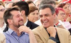 Pedro Sánchez llama a la movilización en su escenario talismán, Valladolid