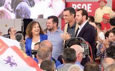 Pedro Sánchez acompaña a Óscar Puente y Luis Tudanca en el cierre de campaña en Valladolid