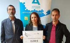 Los 10km de Gudino hacen entrega a la Asociación de Asperger de un cheque con 2.220 euros