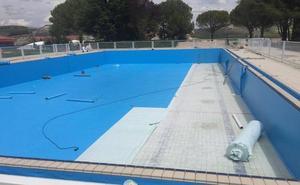Avanzan a buen ritmo las obras para evitar fugas en la piscina de Cuéllar