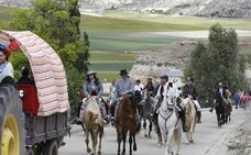 Medio centenar de jinetes homenajean al caballo en Langayo