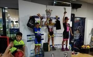 Erik Hernández y Samuel Zapatero firman un doble podio para la Escuela de Ciclismo Salmantina en Ávila