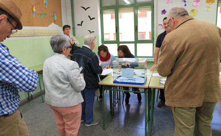 Segovia vota en las elecciones municipales, autonómicas y europeas