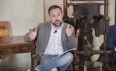 El candidato de Podemos felicita a Puente y lamenta que la ciudad seguirá «dividida»