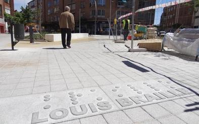 'Louis' Braille estrena plaza con acento francés en Valladolid