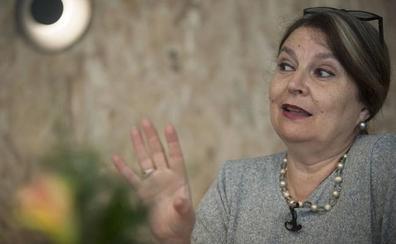 María Elvira Roca: «Legislar sobre la memoria es puro totalitarismo»