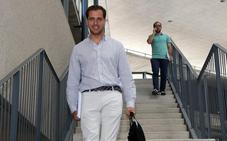Pablo Pérez, felicitado por Casado por ser el único candidato de capital de provincia en aumentar sus apoyos