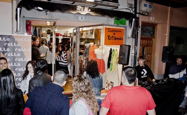 Trece comercios participan este viernes en la XI edición de la Arévalo Shopening Night