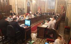 La denuncia de contrataciones a 'dedo' lleva la polémica al pleno de La Salina