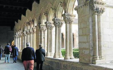 La juez otorga el claustro de Santa María de Nieva al Ayuntamiento y el templo al Obispado