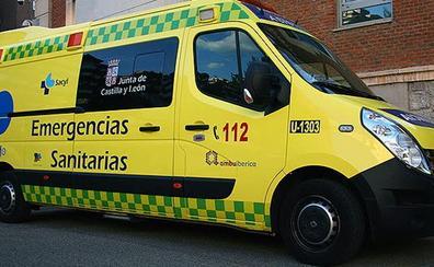 Cuatro heridos, entre ellos un bebé, al volcar una furgoneta en Aldeamayor