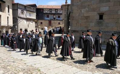 La Cofradía del Santísimo Cristo del Sudor cumple con su ascentral tradición en La Alberca