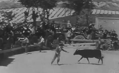 Valladolid en el No-Do: concurso de arada entre agricultores de la provincia y capea en San Isidro 1943