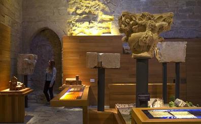 Aguilar expone las réplicas de los capitales conservados en el Arqueológico