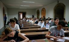 Casi 2.600 estudiantes inician las pruebas de la EBAU en el distrito de la Universidad de Salamanca