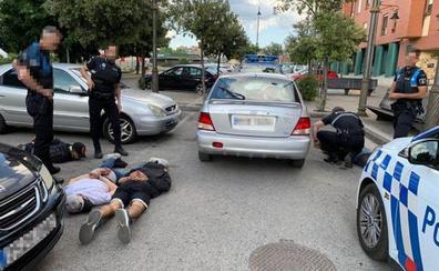 Cae una banda de cuatro jóvenes, uno de ellos menor, especializada en robos con fuerza en comercios de Ponferrada
