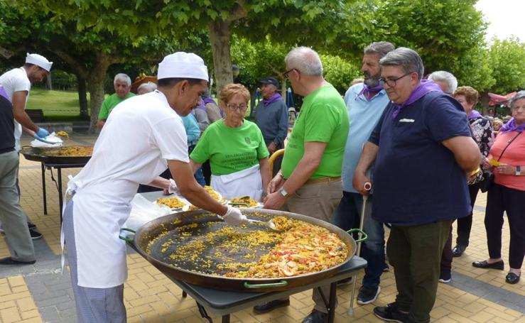 Jubilados de 21 pueblos de las comarcas de Pinoduero y Peñafiel participan en un encuentro festivo en Tudela