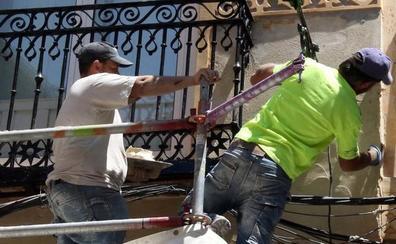 Uno de cada diez contratos de obra y servicio firmados en Segovia dura menos de siete días