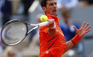 Djokovic gana a Zverev y se cita con Thiem en semifinales