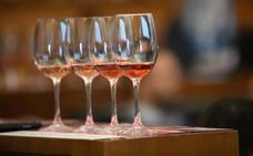 Desmontando 10 falsos mitos sobre el vino rosado que más confunden a los consumidores
