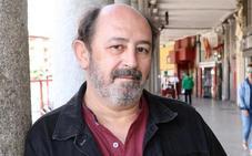 «La literatura fija el hecho histórico para los lectores futuros»