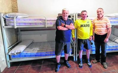 Los peregrinos de EE UU reforman el albergue de Santervás de Campos