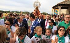 Los carbonerenses honran a la Virgen del Bustar en su romería