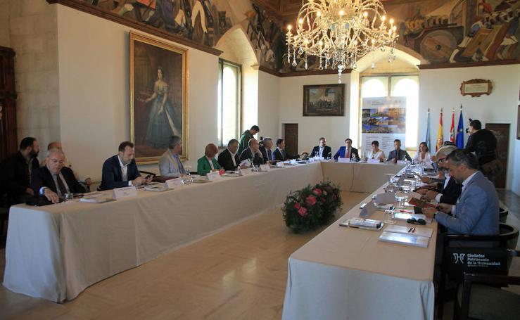 El Alcázar acoge la asamblea del Grupo de Ciudades Patrimonio de la Humanidad de España