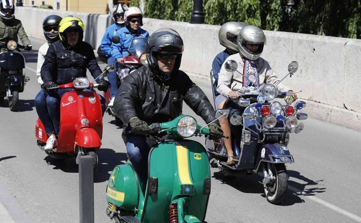 XII edición de la Scooter Run Ribera del Duero en Peñafiel