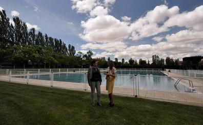 El Ayuntamiento de Santa Marta concluye las reformas en las piscinas, que abren hoy sus puertas