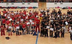 Multitudinaria Graduación del Kickboxing salmantino en el pabellón de La Alamedilla